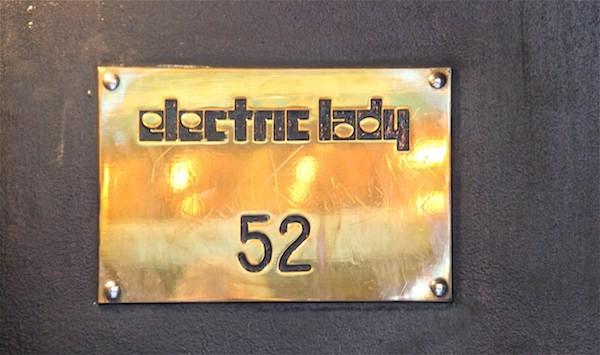Plaque du Studio