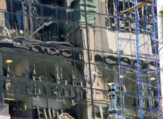 Reflets façade